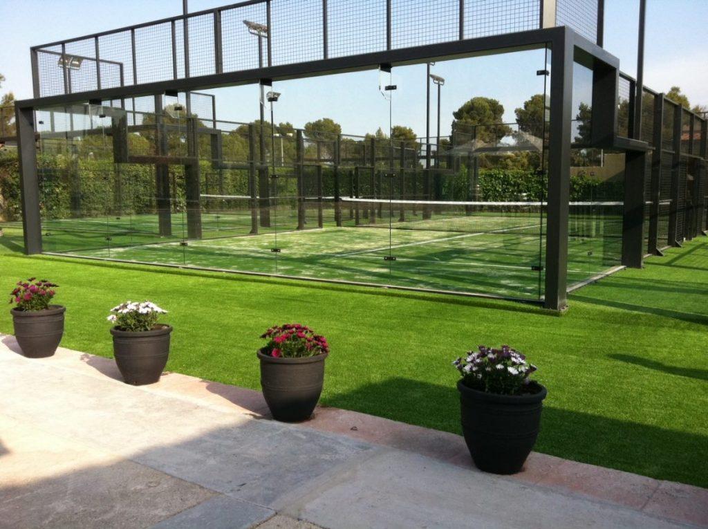 Mantenimiento de Pistas de Padel y campos de fútbol